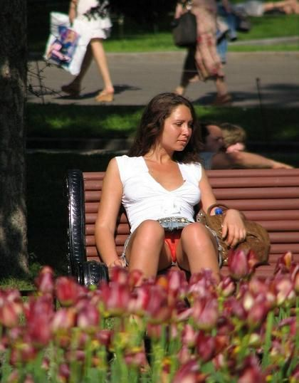 Matchless theme, Park bench upskirt no panties whom