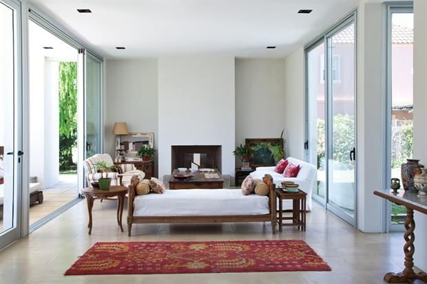 C mo decorar una casa moderna con muebles cl sicos for Muebles de living modernos en cordoba