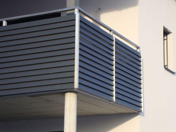 edelstahlgel nder mit aluminiumlamellen in anthrazit pulverbeschichtet haus balkongel nder. Black Bedroom Furniture Sets. Home Design Ideas