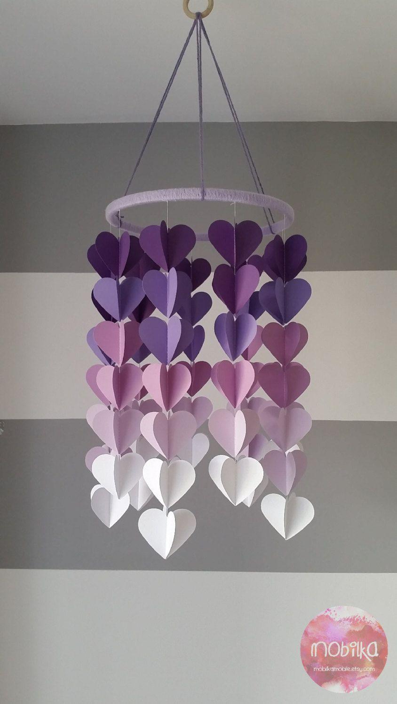 Mobile décoratif 3D en coeur. Dégradé de mauve. Décoration chambre enfant. Mobile en papier. Décoration de plafond pour chambre bébé fille