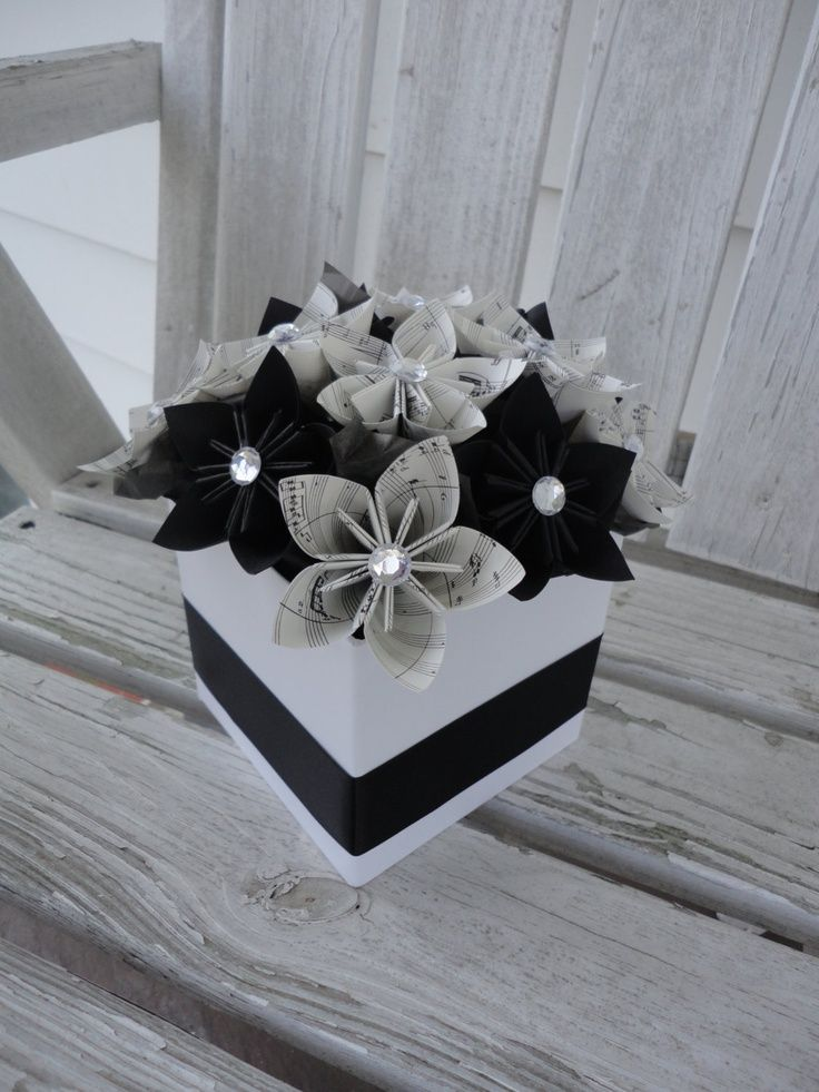 Paper flower box | book pages | Pinterest | Flower boxes