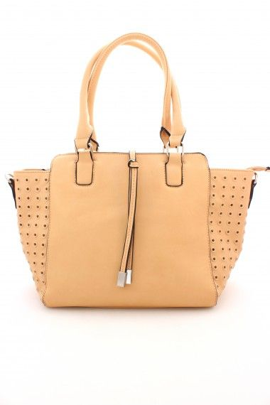 Beige Detailed Bag available at www.SophieandTrey.com shop online with code 'STMEGAN10' & get 10% off your purchase of $50 or more!!  Follow @Sophie & Trey & @megannnclary on Instagram!