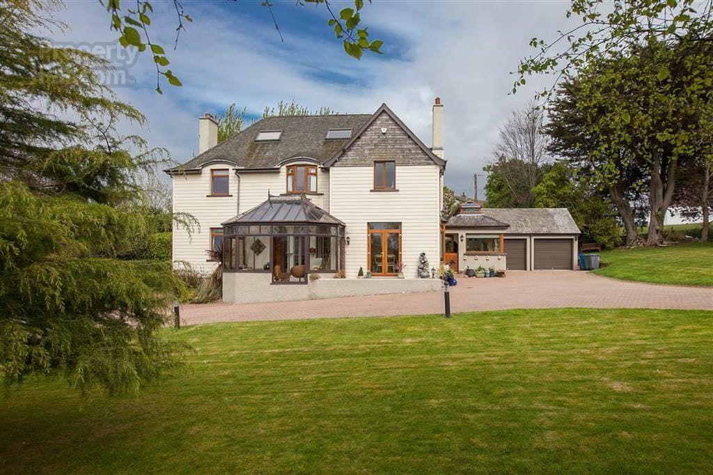15 Sheridan Drive, Helens Bay, Bangor Farmhouse, Real