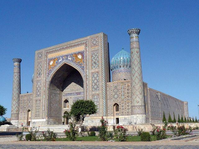 مساجد آسيا الوسطى روح الإسلام متجس دة في روائع المعمار Laha Magazine Beautiful Mosques Islamic Architecture Mosque