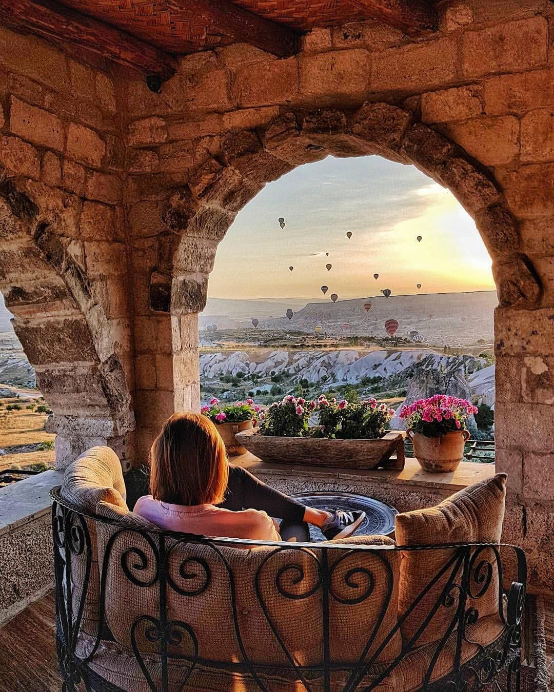 1 678 Begenme 14 Yorum Instagram Da Museum Hotel Museumhotel A Remarkable Way Of Watching The Sunrise Www Museumho Museum Hotel Cappadocia Places