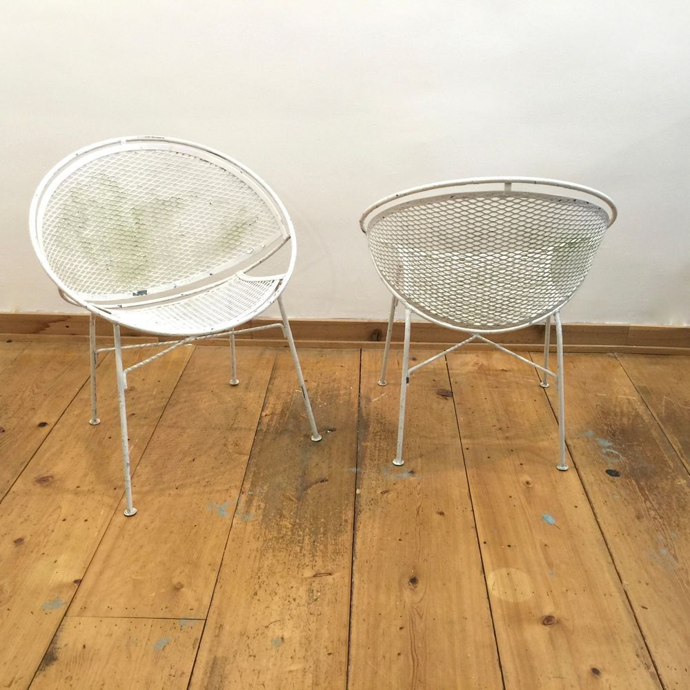 Vintage mid century modern metal folding wire mesh patio chairs - Description Vintage Salterini Mid Century Modern Wrought Iron Patio Chairs Radar Hoop Clamshell