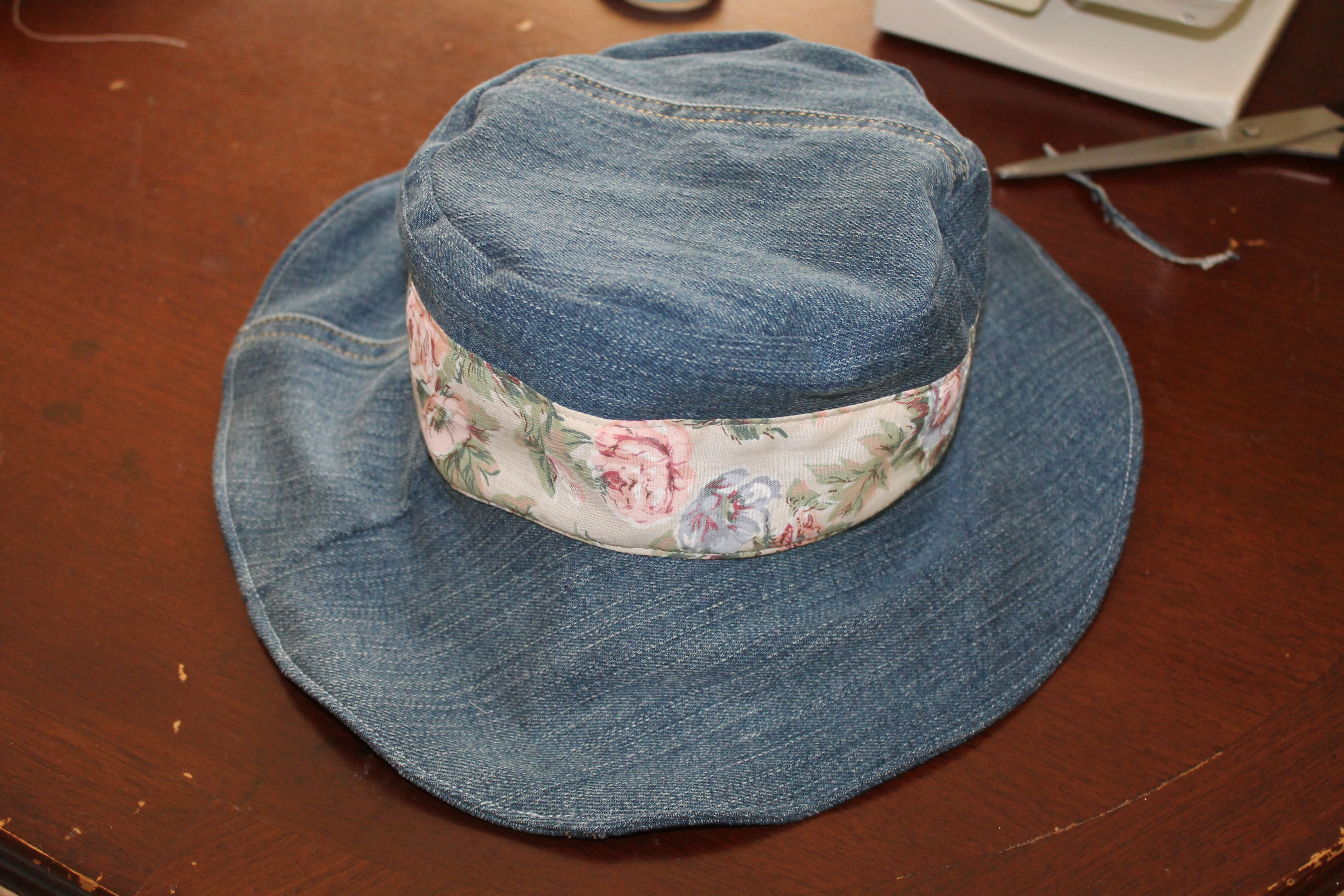 Welcome to this weekend's sewing project at the shed. Ever wondered what to do with those old jeans?? Here is a FREE pattern to turn them into this cute denim hat.  For this project you will ...