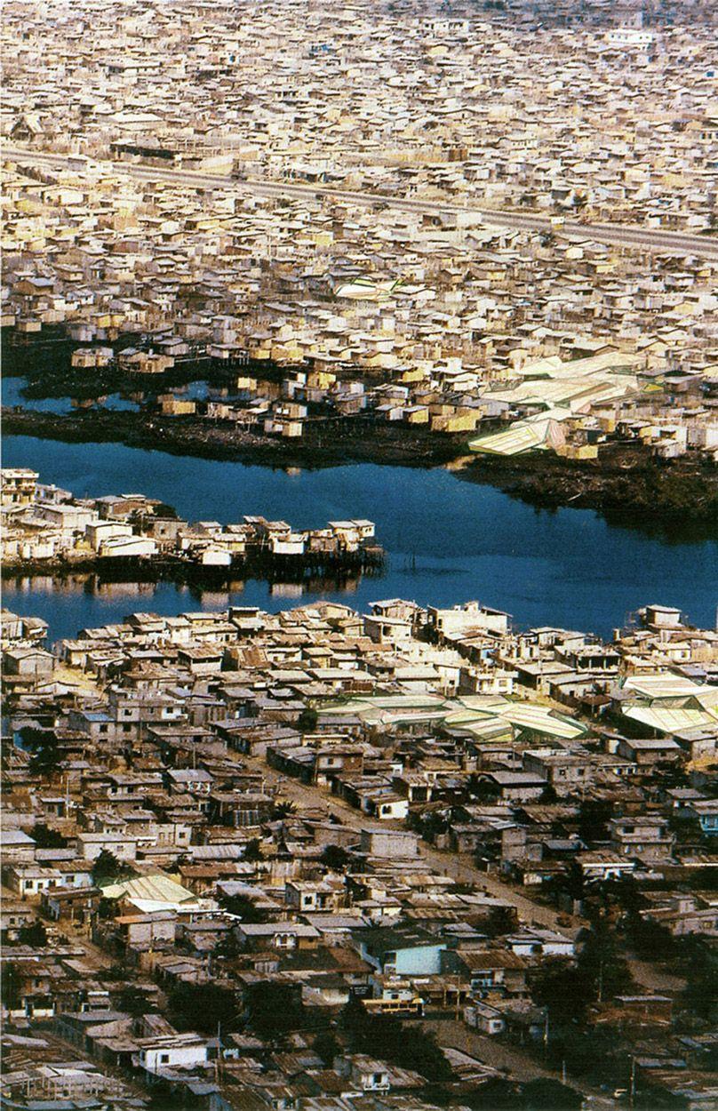 Planet of Slums? - http://lebbeuswoods.files.wordpress.com/2008/02/slumrecon1blog.jpg