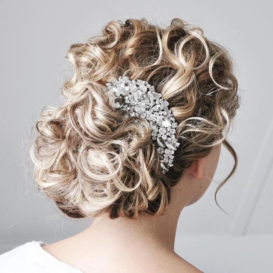 20 Soft and Sweet Curly Wedding Hairstyles