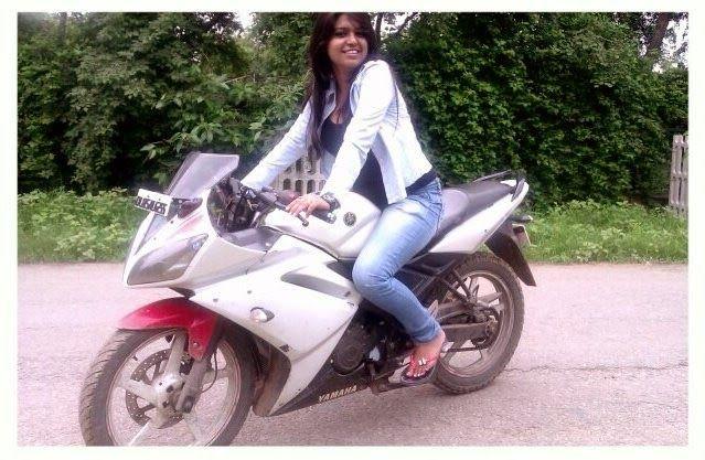 Indian girls on bikes-2300