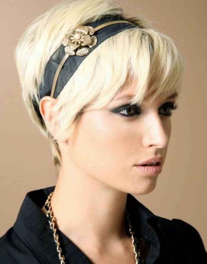 Très coiffures courtes couleur blond clar, modele coupe courte cheveux  VR59