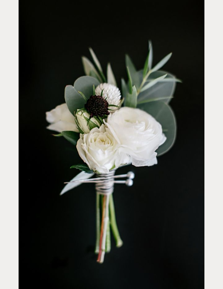 Over 40 fabulous boutonnires youre gonna love pinterest over 40 fabulous boutonnires youre gonna love mon cheri bridals mightylinksfo