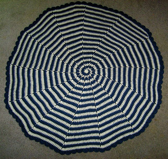 Spiral Baby Blanket Would Be Great With Rug Yarn And Made Into A