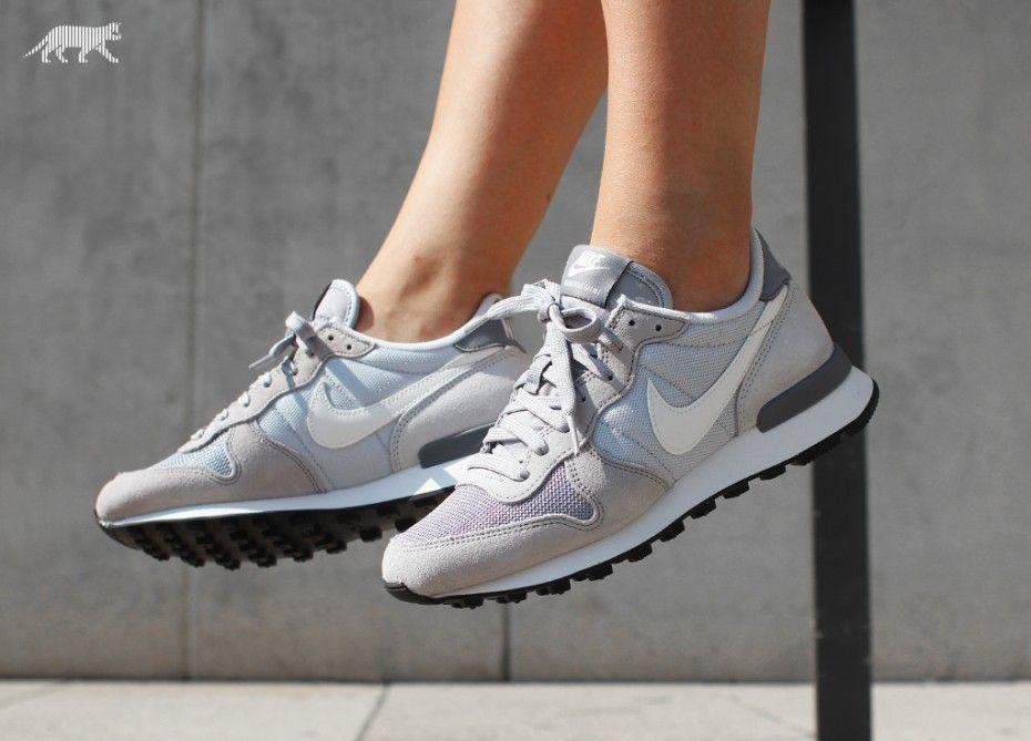 Nike Wmns Internationalist Wolf Grey/ Summit White qT0Pazp7R