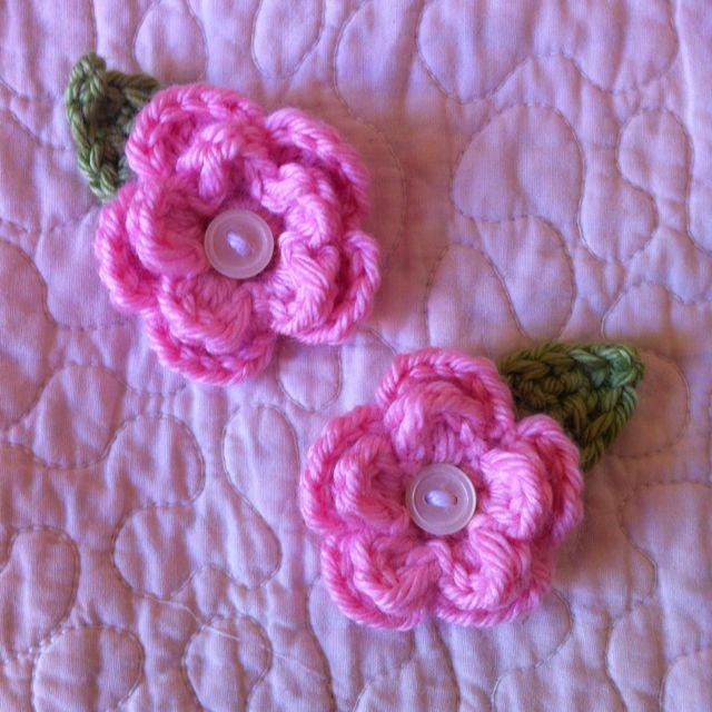 Tiny crochet flower | Fabric flowers, Knitted flowers, Crochet