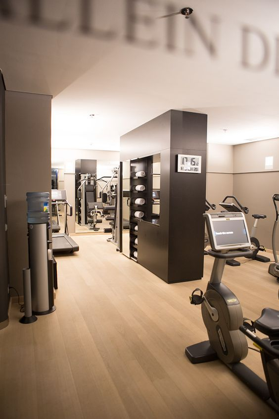 Towel Drop Fitness Center Hotel Gym Gym Interior At