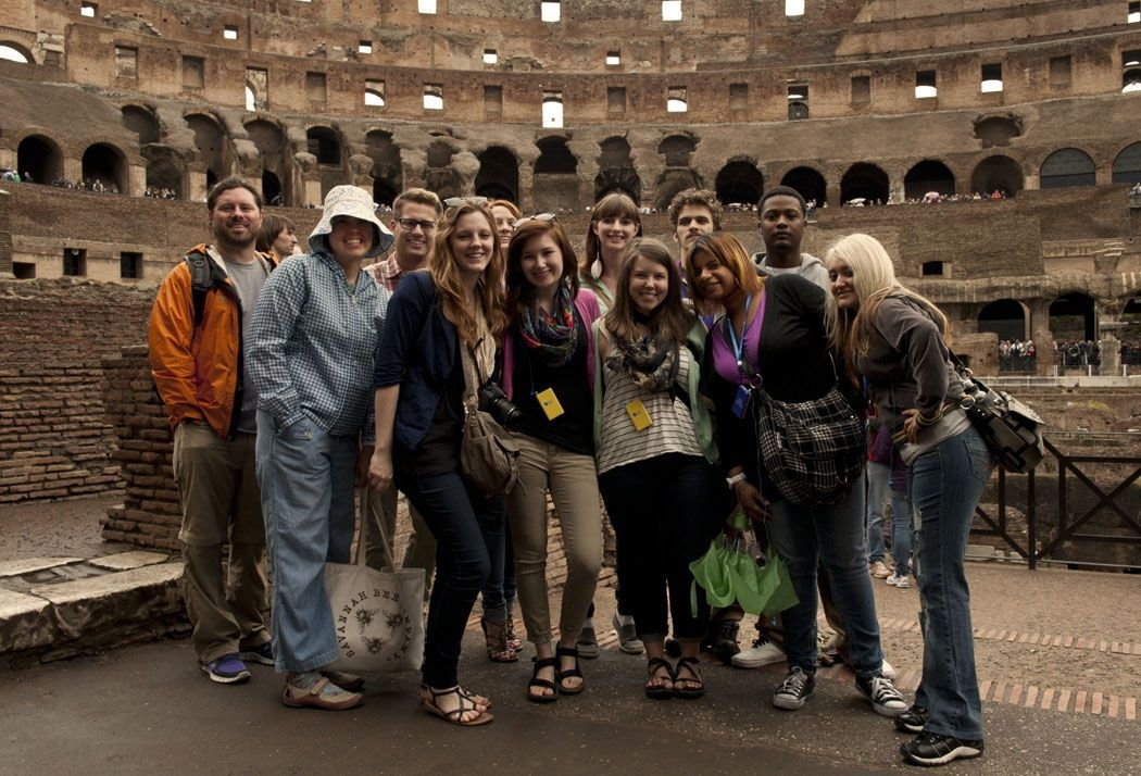 U Of Memphis Art Education And Digital Photography Students Visiting The Colosseum In Rome Italy Photography Student Memphis Art Photography