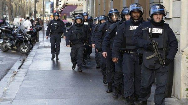 Hombre desconocido toma rehenes en una joyeriaen Montpellier, Francia