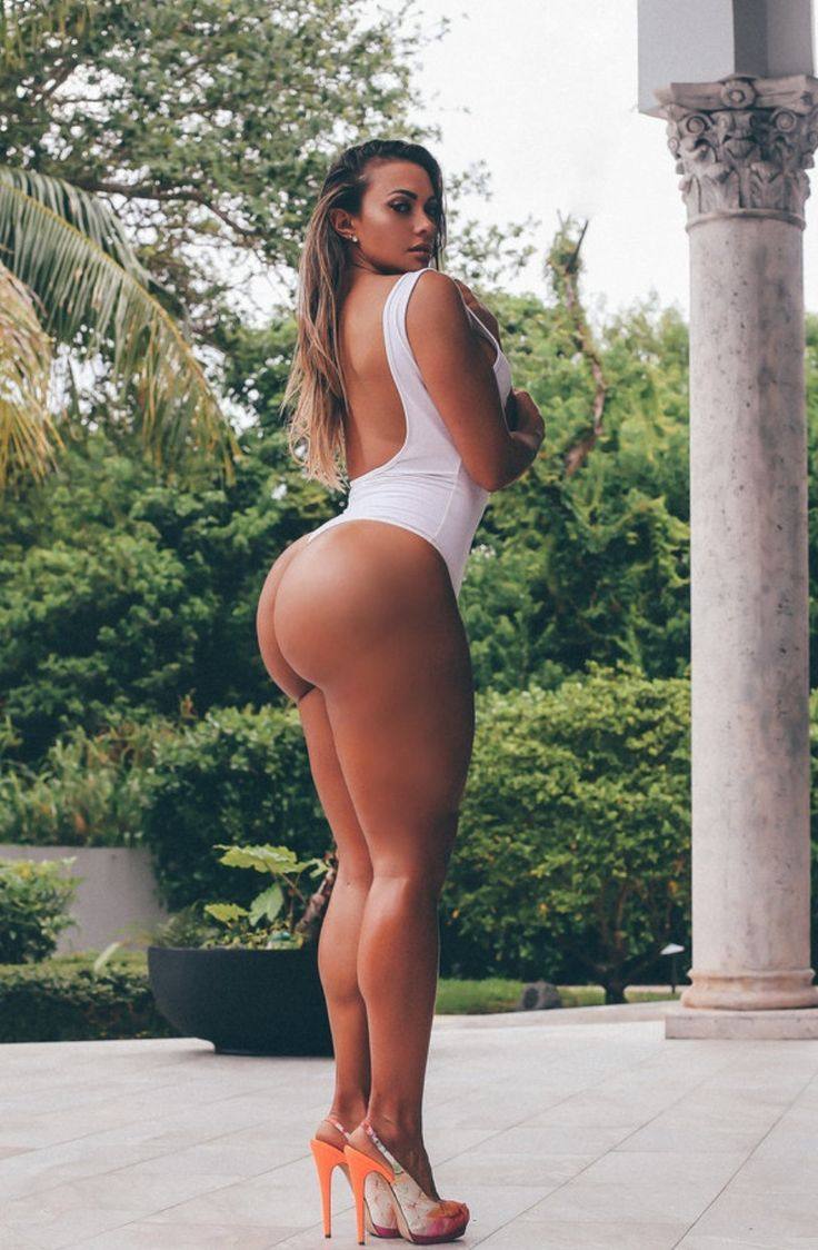 naked-fit-girls-with-big-butts
