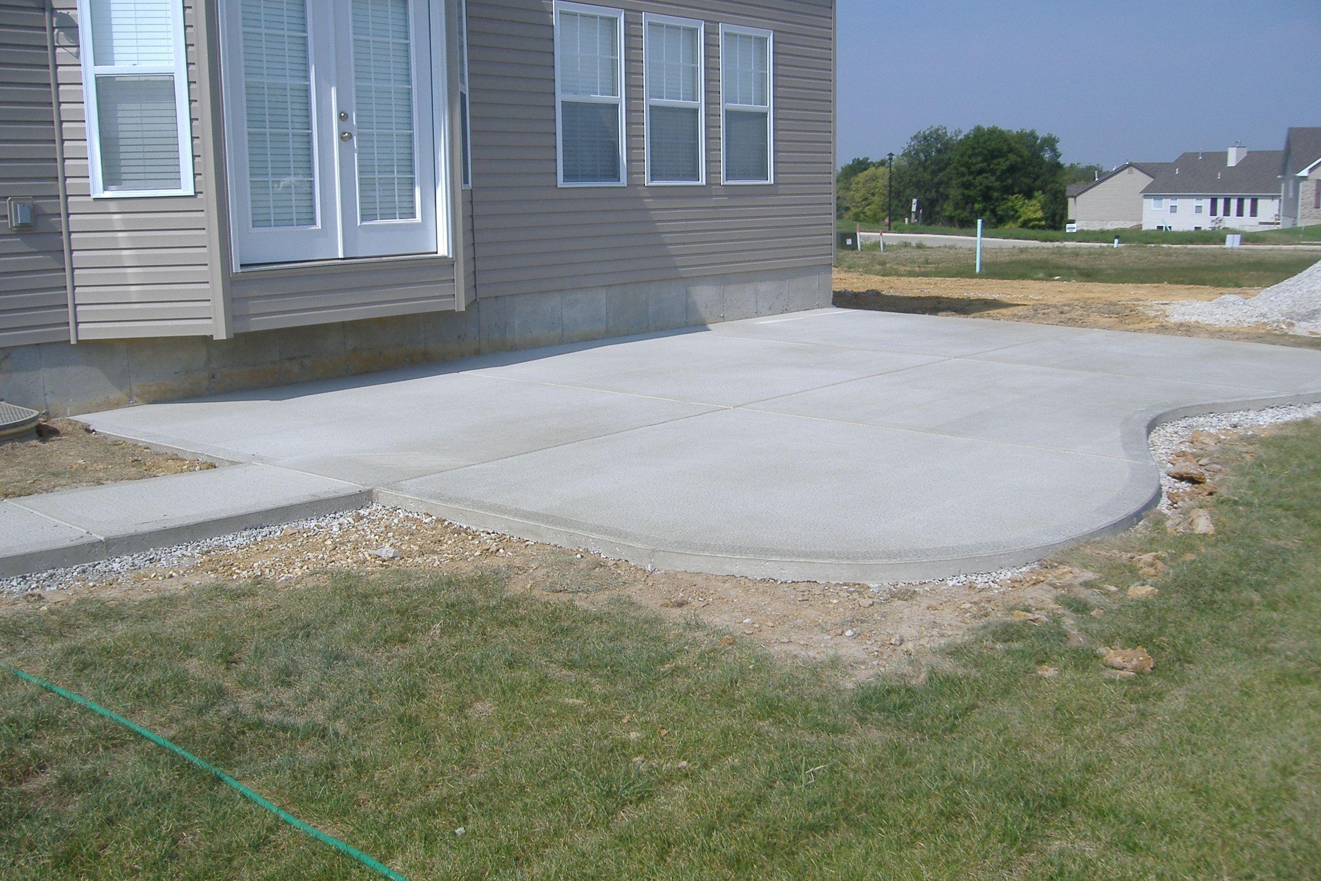 Simple Concrete Patio Design Ideas Thefoxy Blog With Backyard Concrete Ideas Backyard Backyard Concrete Backyard Poured Concrete Patio Concrete Patio Designs