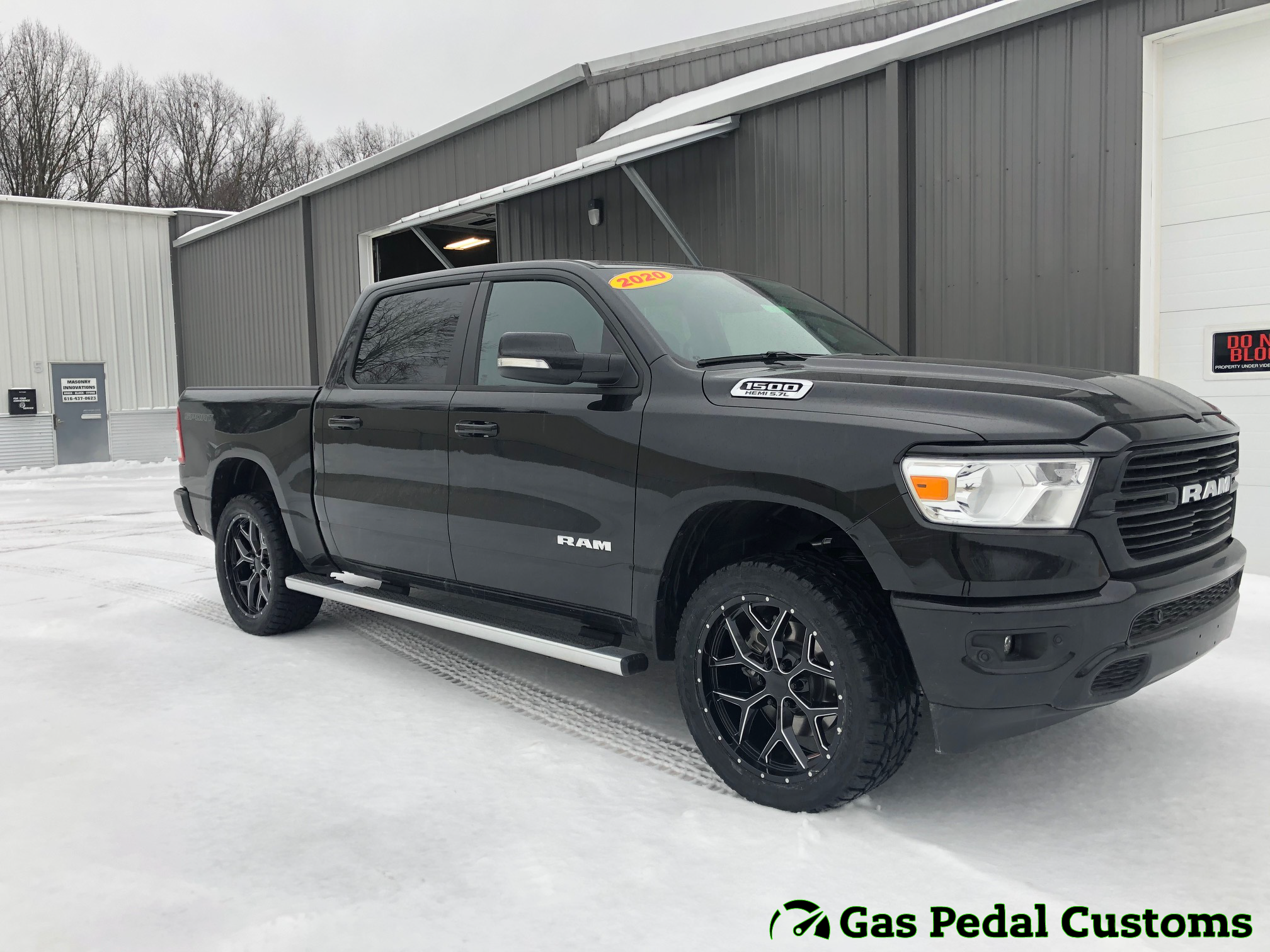 2020 Ram 1500 With 22 Inch Wheels Automotive Truck Accessories Offroad Accessories
