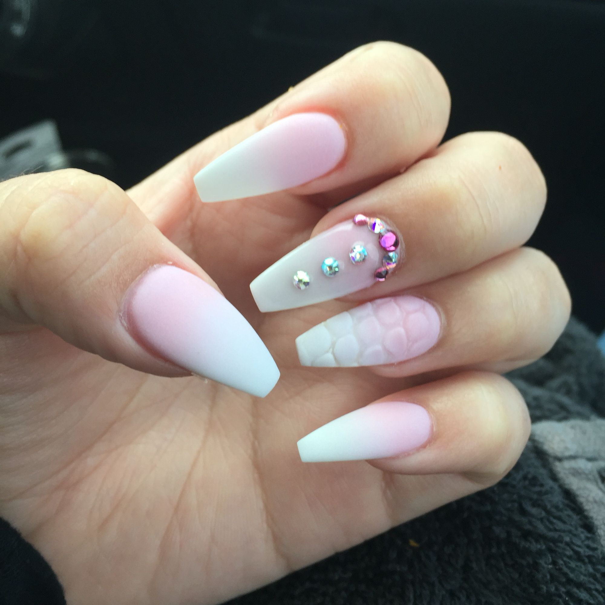 pink and white ombre nails - HD 2000×2000