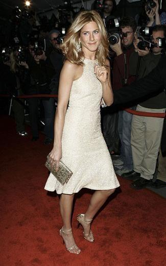 Get Jennifer Aniston's Look