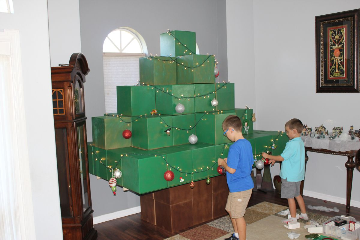 Minecraft Bedroom Designs Real Life life-size minecraft christmas tree | geek moms | pinterest