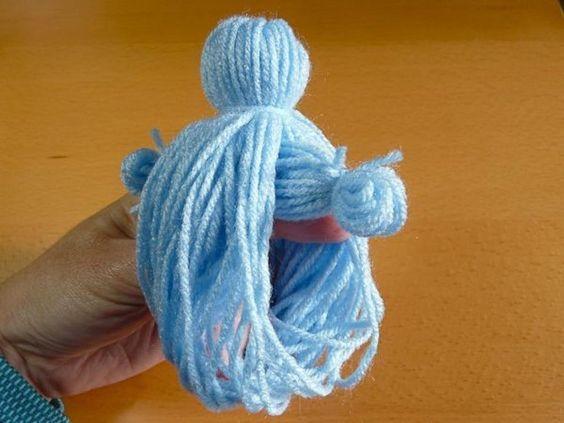 comment faire d 39 adorables poup es avec de la simple laine. Black Bedroom Furniture Sets. Home Design Ideas