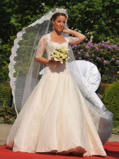 Princess Marie was the one that started the lace royal wedding