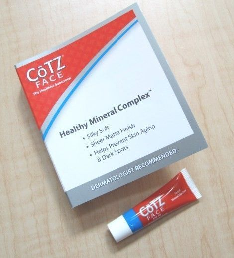 CoTZ Healthy Mineral Complex, spf 40 *silky soft *sheer matte finish *helps prevent skin aging & dark spots BirchBox sample - swatched once