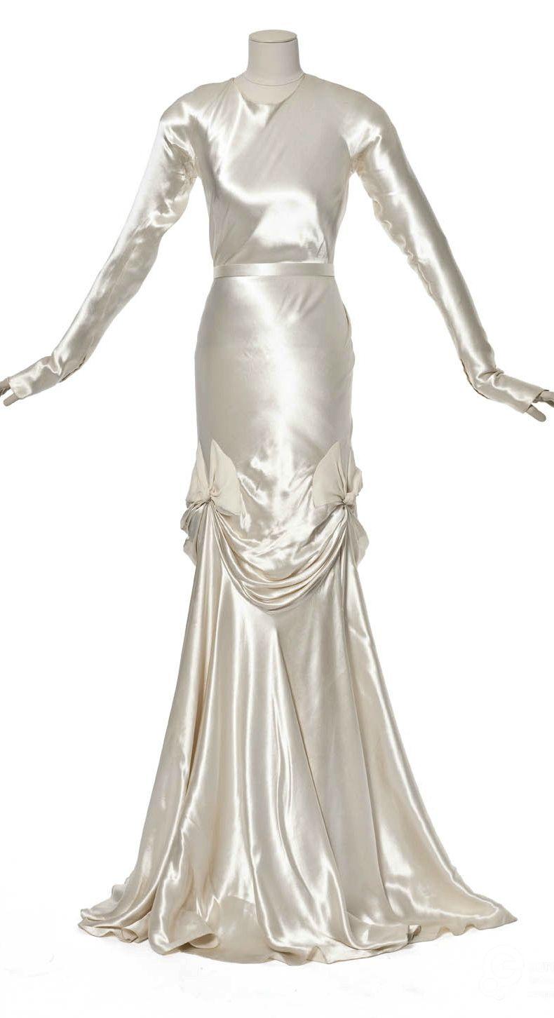 Wedding dress, by Madeleine Vionnet, 1939. Les Arts Décoratifs ...