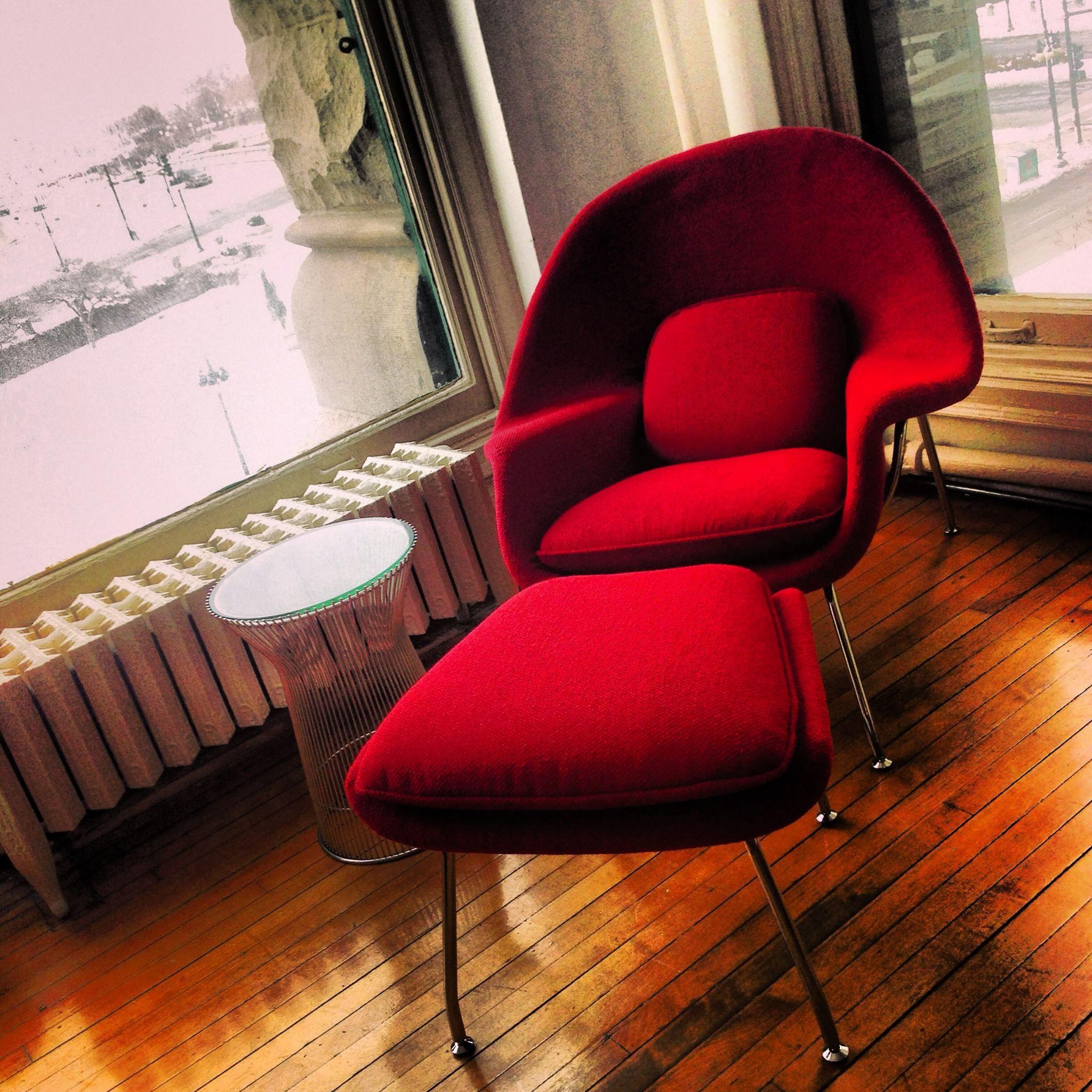 Saarinen Womb Chair Reproduction + Ottoman Chair 1190
