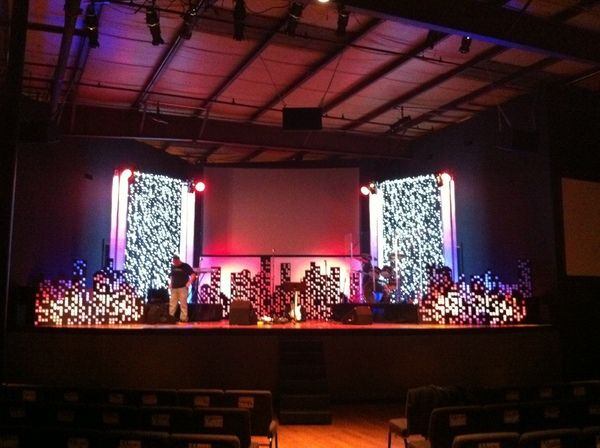 Valley church set design by ryan magada via behance from here are some set designs that i constructed for valley church solutioingenieria Image collections