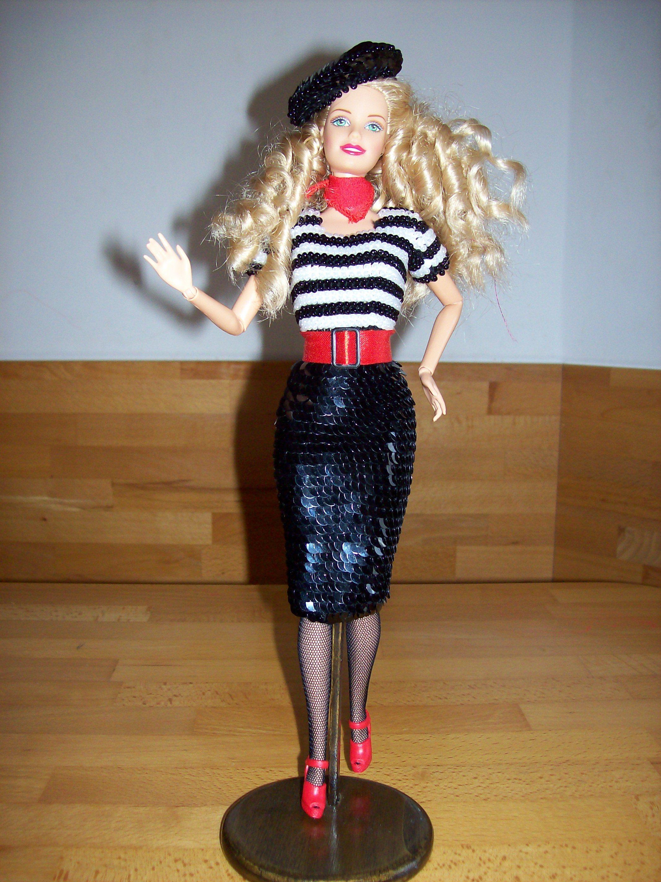 Barbie francesina