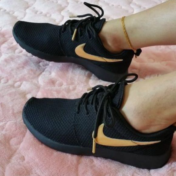 NWT custom black and gold Nike roshes!! NWT | All black, Shoes and