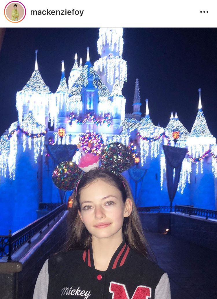 Disneyland Birthday Mackenzie Foy Beautiful Actresses Wishes Twilight Supernatural
