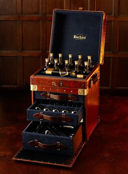 Johnnie Walker Blue Label Scotch Whisky Cabinet.A Marvellous Wee Travelling  Treasure Chest! To Be Much Lusted After For Week Ends Away!