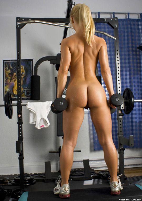 Голые фитнес леди