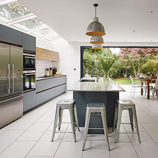 Modern Kitchen Designs Photo Gallery: Modern Grey And White Kitchen