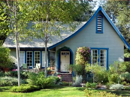 26 Popular Architectural Home Styles Curb appeal, Front entry and