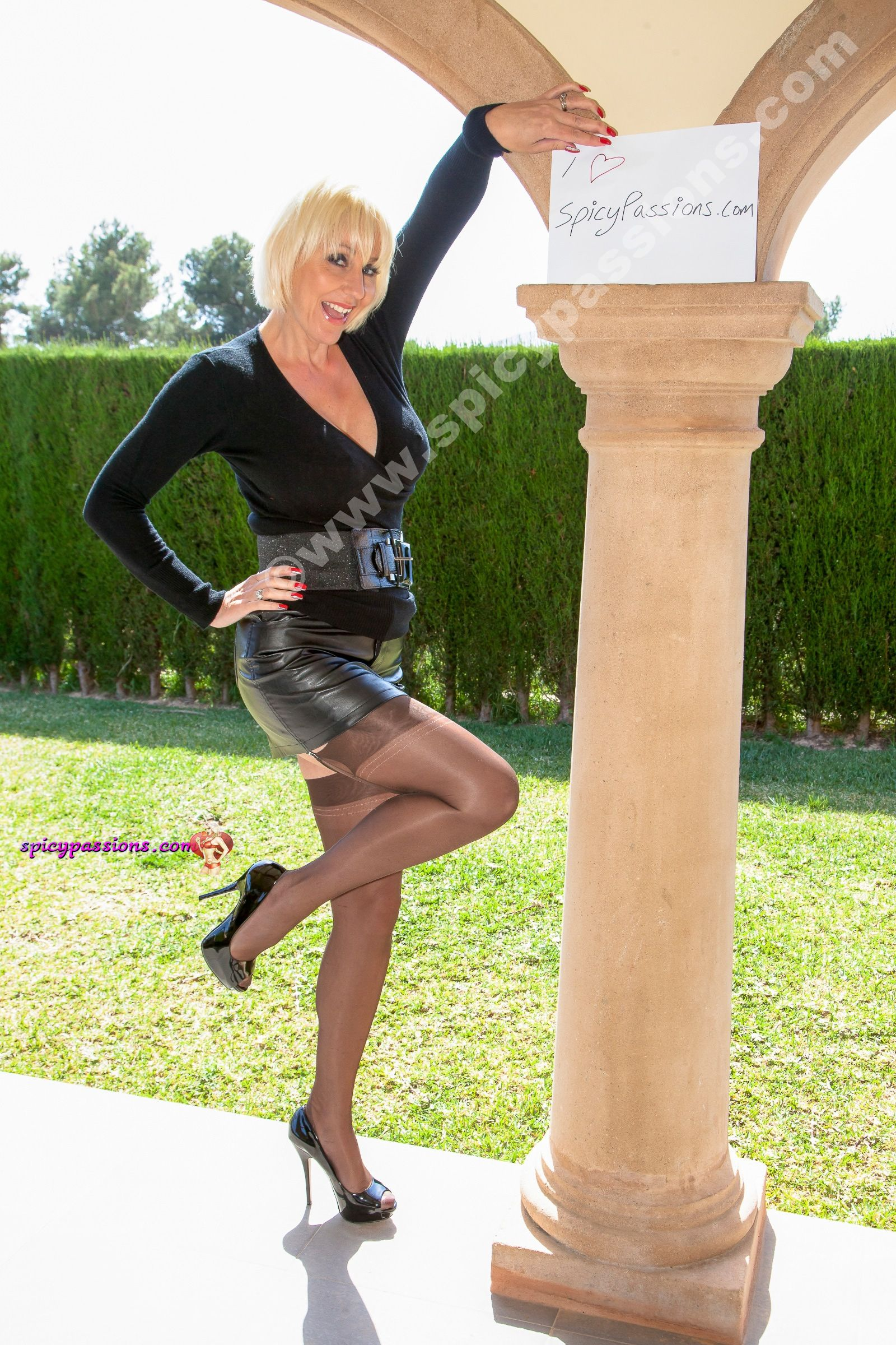 tied busty-milf 2girl  Stockings