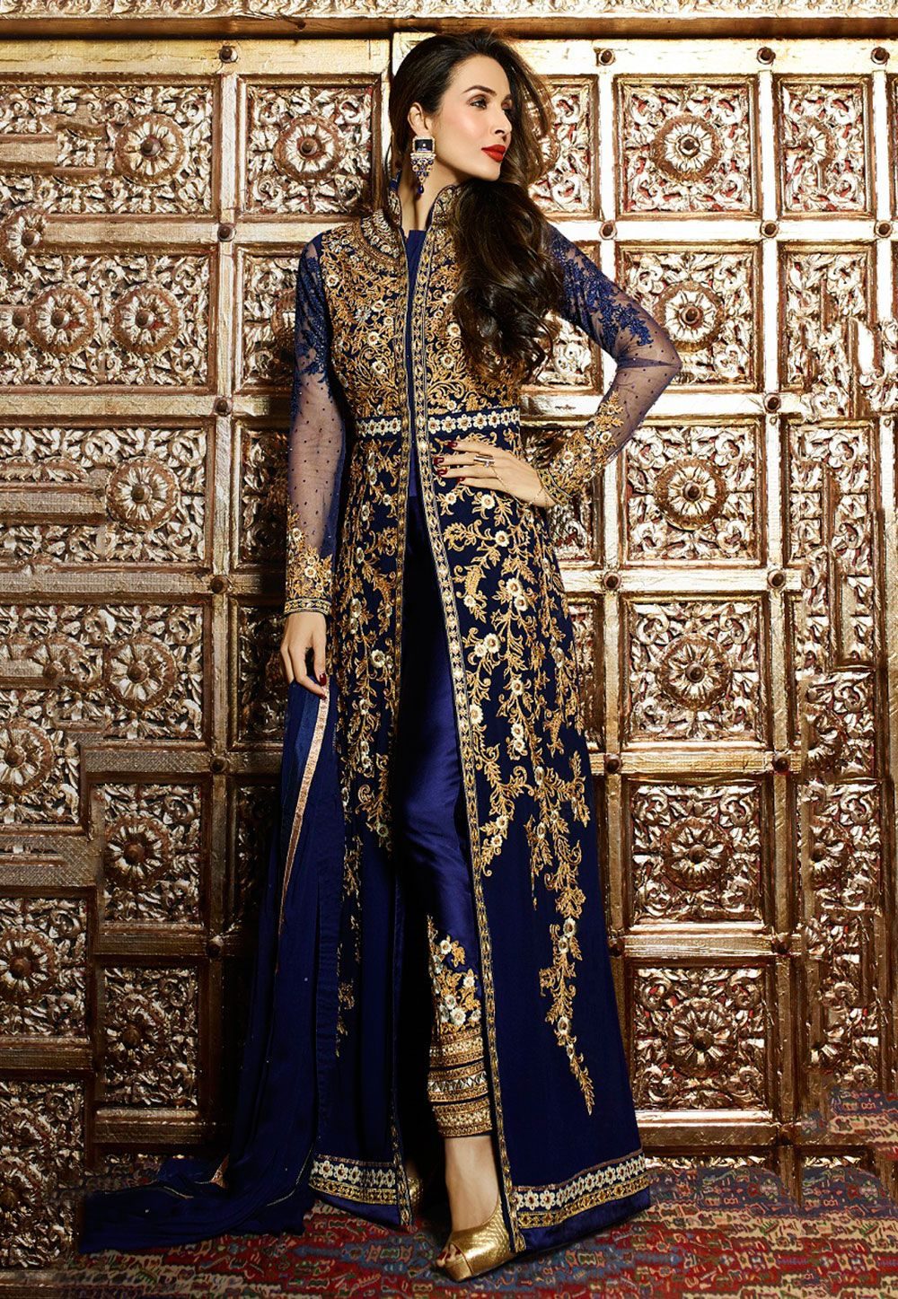aa96b55182 Suit in Navy #Blue   Abayas   Bollywood suits, Abaya fashion, Dresses