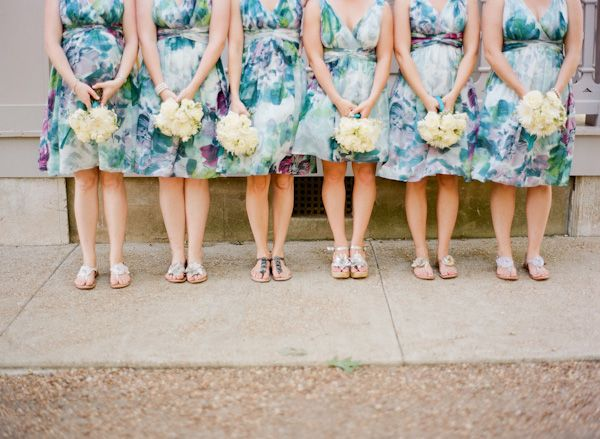 Cropping. One hand holding bouquet. Ali Harper Photography.