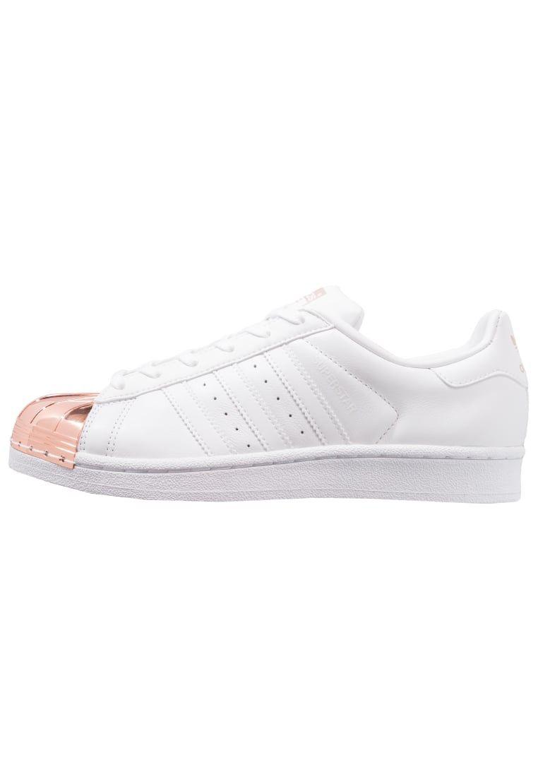 cheaper 8fabc db83c ¡Consigue este tipo de deportivas de Adidas Originals ahora! Haz clic para  ver los