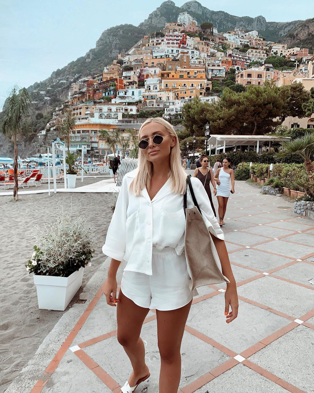 Sarah Ashcroft On Instagram Exploring Beautiful Positano Outfit Is Tagged Sarah Ashcroft Outfits Sarah Ashcroft Fashion