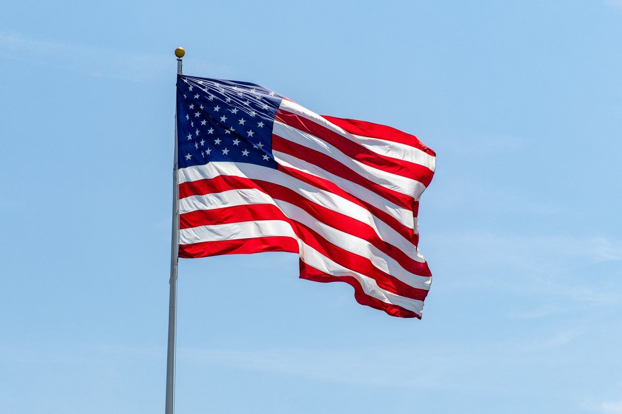American Flag Etiquette 20 Rules For Flying And Folding The American Flag In 2020 Displaying The American Flag American Flag Etiquette Food Lion