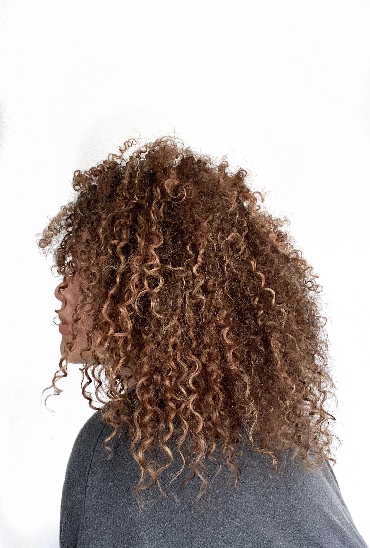 Curly Hair 3b 3c Blonde Highlights Curly Hair Curly Hair Styles Dyed Curly Hair