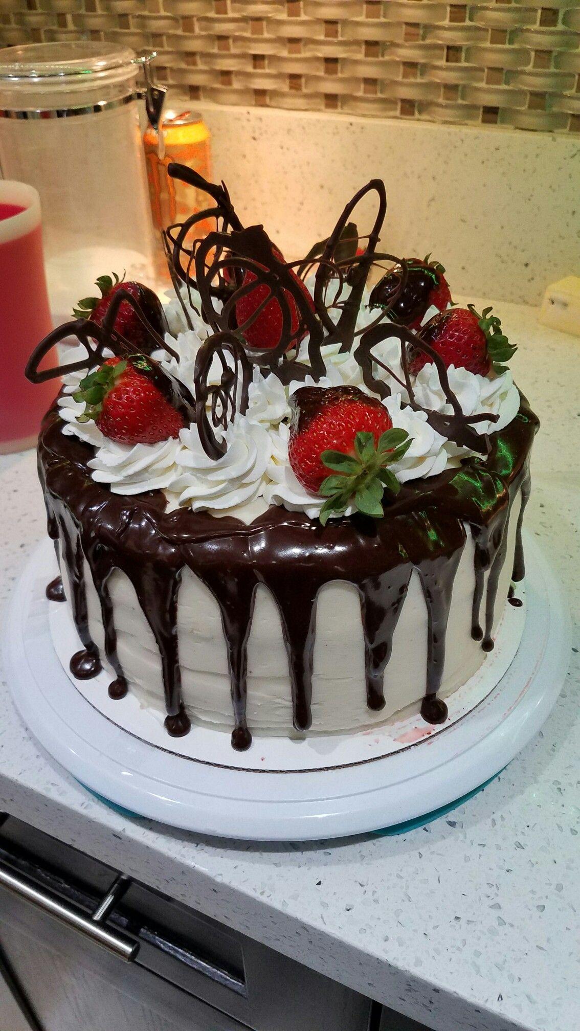 Moms birthday cake   cakes in 2019   Chocolate birthday ...