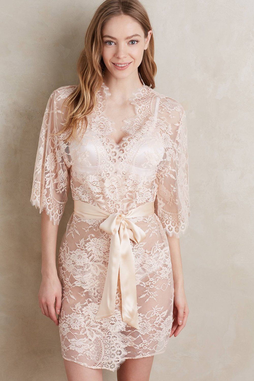 Girl aSeriousDream for Anthropologie Swan Queen lace robe in blush pink -  style 102 3fac68e29